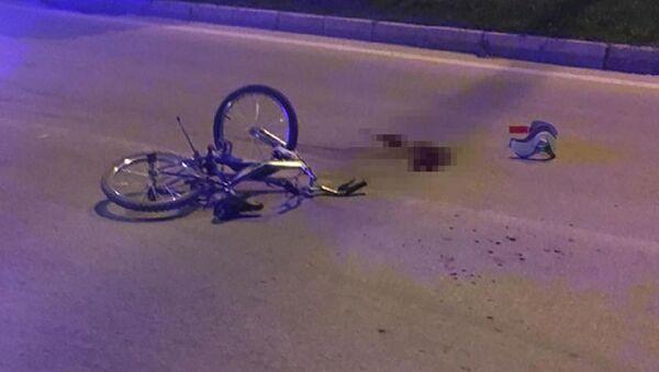Otomobilin çarptığı 9 yaşındaki bisikletli çocuk öldü - Sputnik Türkiye