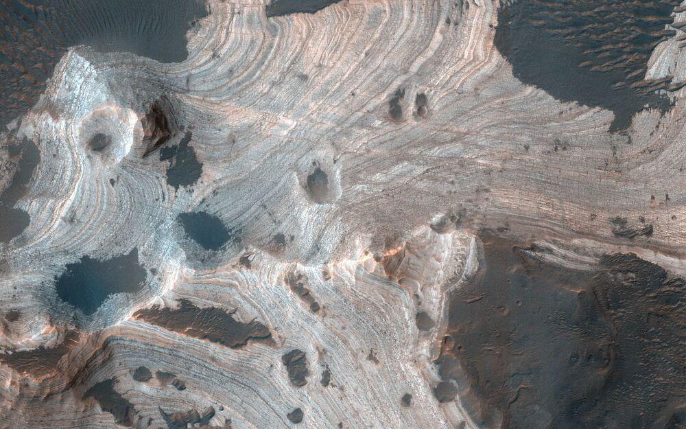 Mars kraterlerinin kuşbakışı görünümü