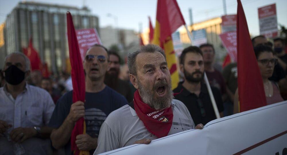 Yunanistan'da 'gösterileri kısıtlama tasarısı' protesto edildi
