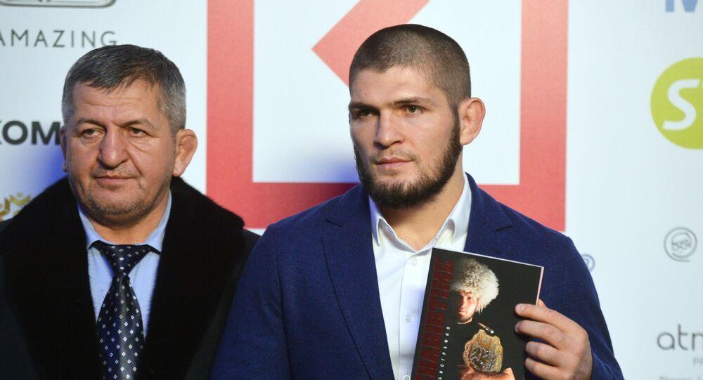 UFC hafif siklet şampiyonu Habib Nurmagomedov ile babası Abdulmanap Nurmagomedov