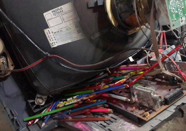 Konya'da tamir için getirilen televizyondan 120 kalem çıktı