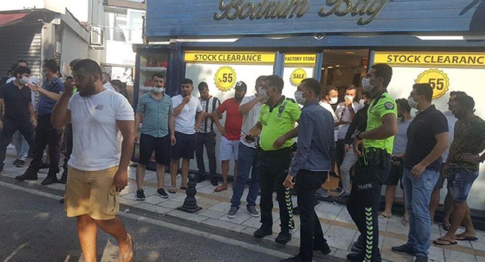 Bodrum'da ünlü markaların avukatları ile imitasyon ürün satan esnaf arasında gerginlik