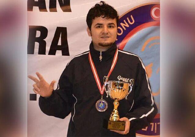 Eski milli masa tenisi sporcusu Fevzi Durmaz