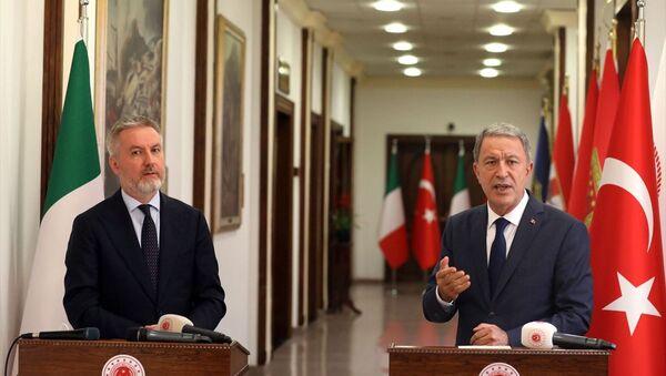 Milli Savunma Bakanı Hulusi Akar, İtalyan mevkidaşı Guerini - Sputnik Türkiye