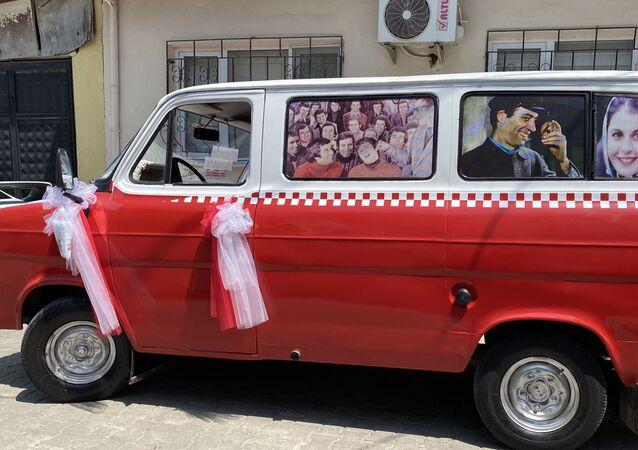 Ragıp Ablay, yaptığı açıklamada, minibüsü ile ilgili projesinin ticarî olmadığını, sadece gençlik hayalini gerçekleştirdiğini söyledi.