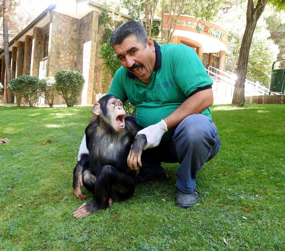 Gaziantep Büyükşehir Belediyesi Doğal Hayatı Koruma ve Tarımsal Hizmetler Daire Başkanı Celal Özsöyler, Can'ın hayvanat bahçesinin maskotu haline geldiğini belirterek, herkesin ziyaretine gelebileceğini söyledi.