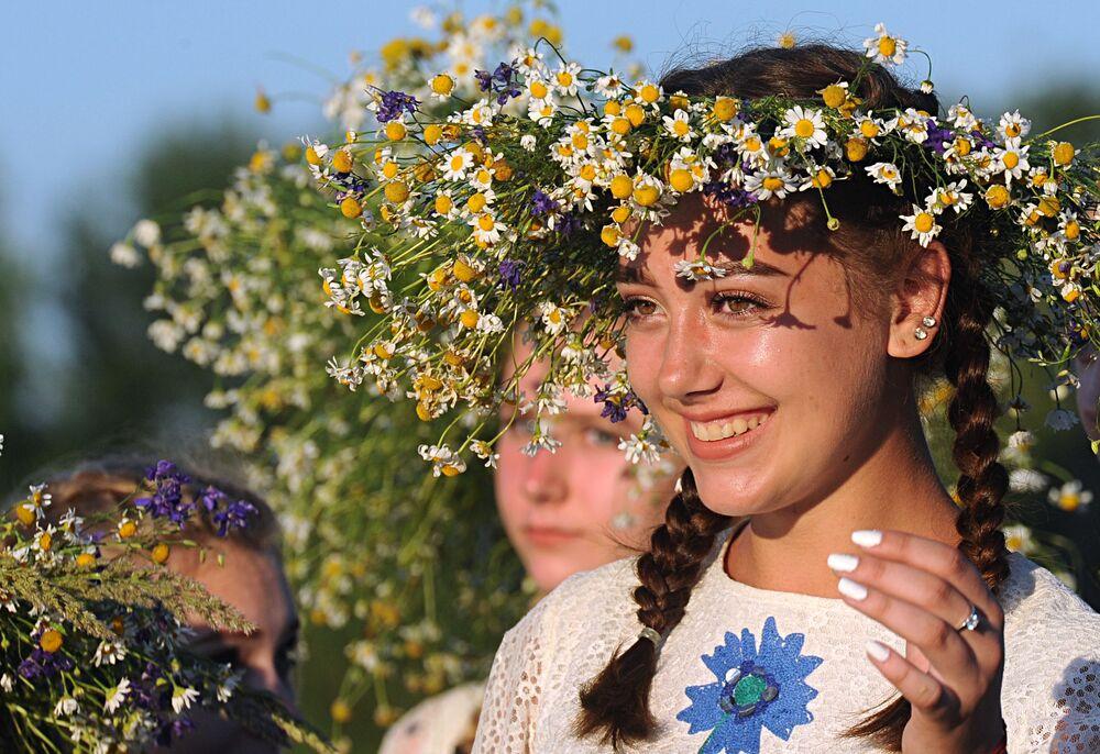 İvan Kupala'nın modern içeriğinde gelenek kapsamındaki eski inanışlardan çok bir halk geleneğinin yaşatılması amaçlanıyor.